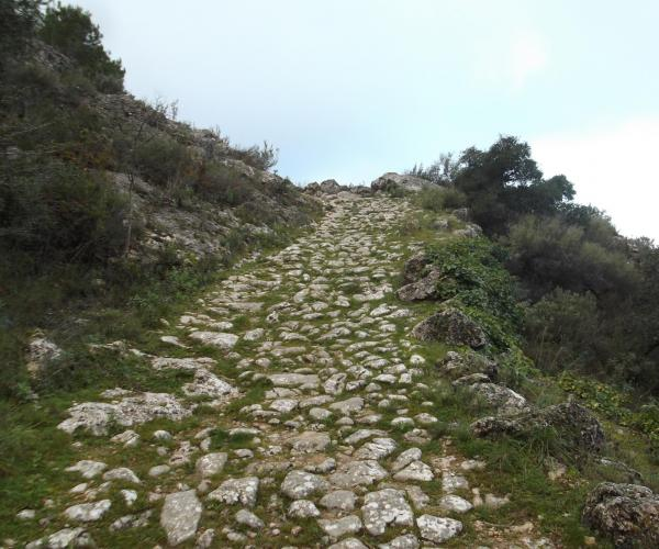 Geosud Geoturisme Senderisme interpretatiu fòssils ecoturisme camins antics