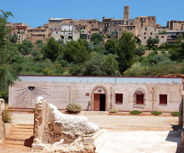 Visita a bodega y clotxa para grupos Celler AiBar Visit to winery and clotxa for groups