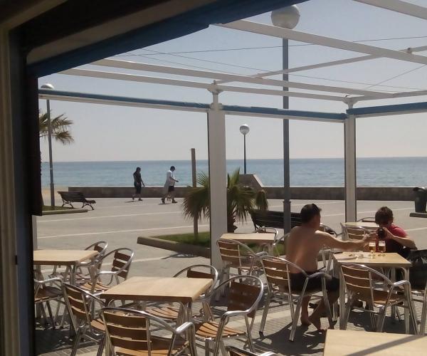 Gintónics mojitos playa verano estiu xiringuitos bars